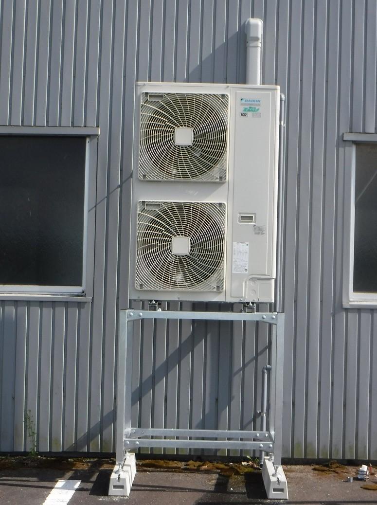 エアコン設置工事【天吊形10馬力】